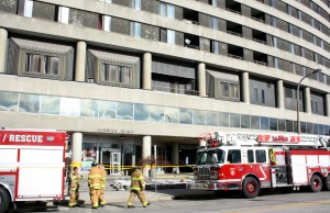 An overnight fire at Kenwick Place caused an evaucation and injuries Nov. 22, 2015 (BlackburnNews.com photo by Dave Dentinger)