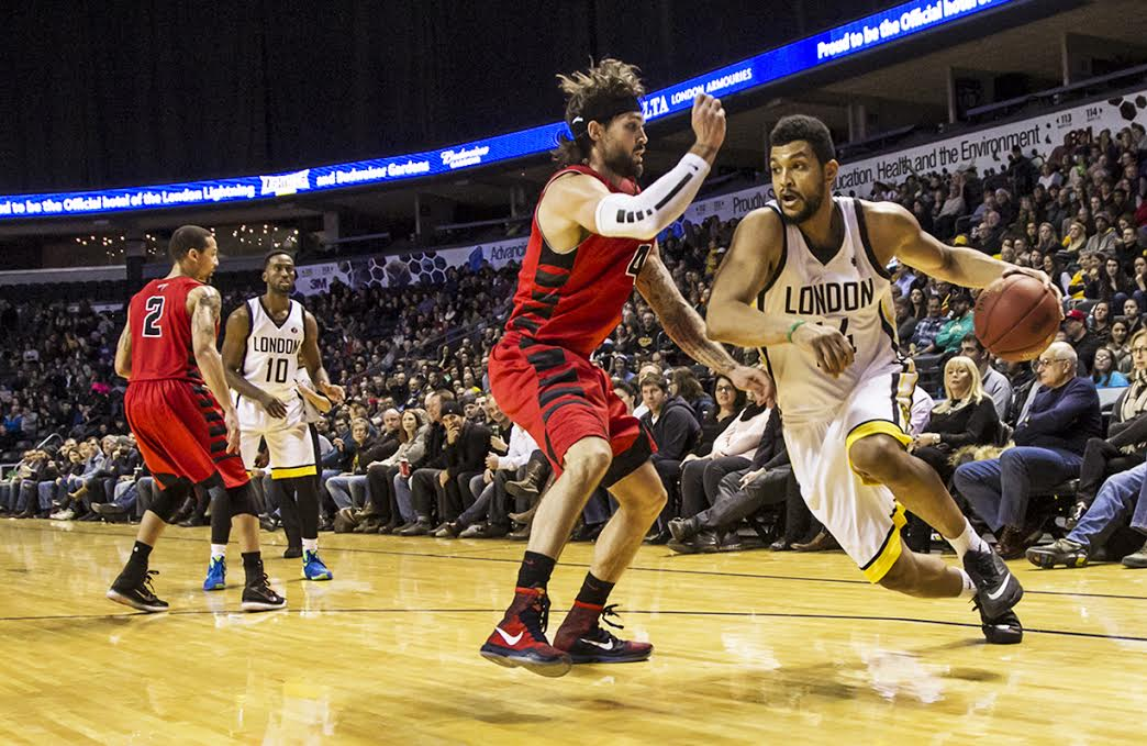 The London Lightning take on the Orangeville A's, January 2, 2016. (Photo courtesy of the London Lightning)