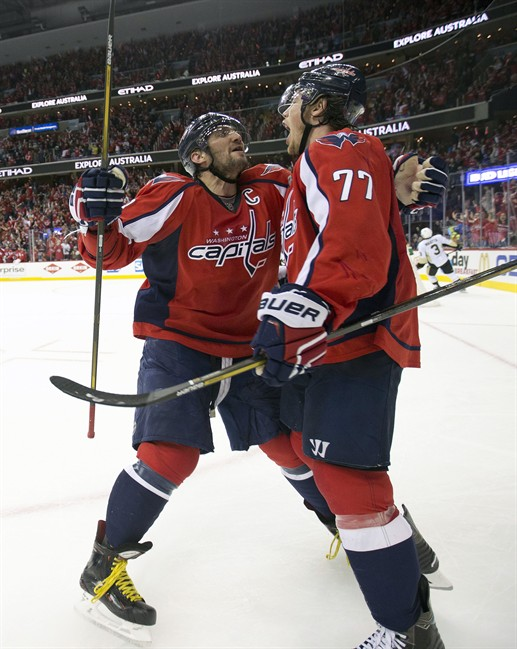 Oshie has hat trick, Capitals beat Penguins 4-3 in overtime
