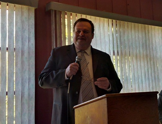 Goderich Mayor Kevin Morrison speaking at the Mayor's Luncheon Thursday. (photo by Bob Montgomery)