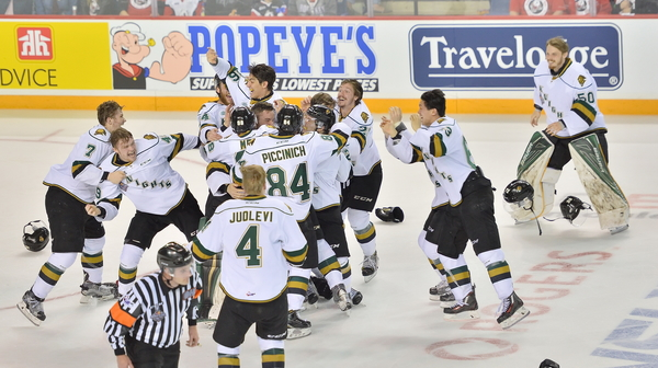 The London Knights won the J. Ross Robertson Cup as OHL Champions following a 1-0 Game 4 victory over the Niagara IceDogs. Photo by Terry Wilson / OHL Images.