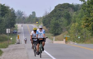 Example of the On-Road portion of the Great Lakes Waterfront Trail through Lambton County (Photo by Simon Wilson © 2016 and the Waterfront Regeneration Trust)