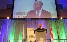 Mayor Matt Brown delivering his state of the city address at the London Convention Centre, January 31, 2017. (Photo by Miranda Chant, Blackburn News.)