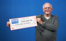 Gerry Willsie with his winning cheque from the OLG. (Photo courtesy the OLG)