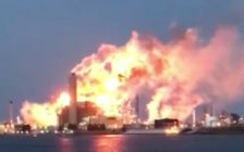 "Imperial Oil reported flaring due to an ""operating issue"" at its Sarnia site, February 23, 2017. (Photo courtesy of Lisa Pugliano Mrowiec via Facebook)"