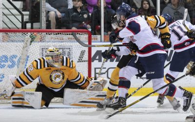 Sarnia Sting goalie Justin Fazio stretches for a save against the Saginaw Spirit on Feb 20, 2017 (Photo courtesy of Metcalfe Photography)