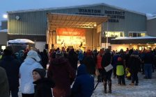 A crowd gathers in front of Wiarton Arena February 2nd, 2017, waiting for Willie's annual spring forecast. (photo by Jordan MacKinnon)