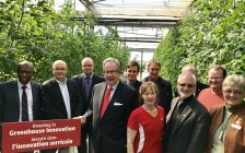 Province Ag Minister Jeff Leal at Link Greenhouses in Bowmanville. (Image provided by OMAFRA)