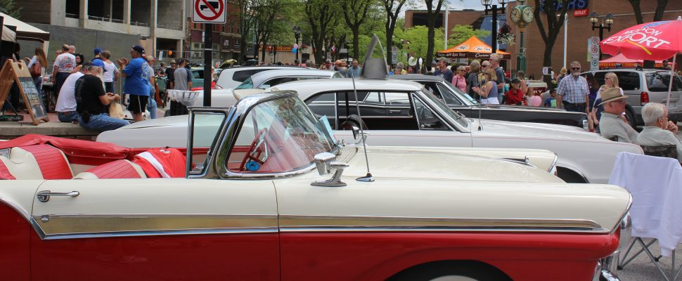 Crowds flock to downtown Chatham to check out classic cars at Retro Fest. May 27, 2017. (Photo courtesy of Sarah Cowan Blackburn News Chatham-Kent).