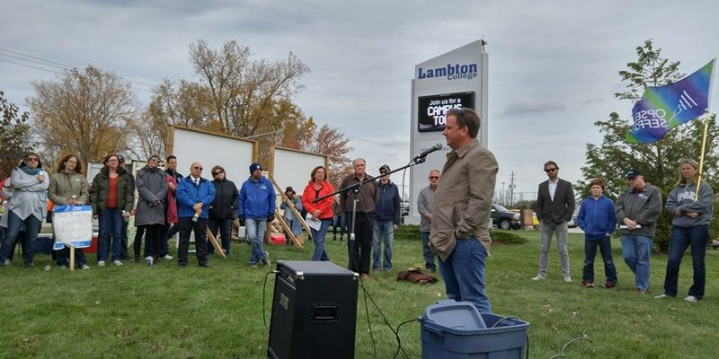 Jason McMichael, the federal NDP candidate for Sarnia-Lambton speaks at Rally. October 27, 2017 (Photo by Colin Gowdy)