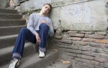 Homeless teen. (Photo by © Can Stock Photo / allg)
