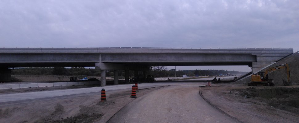 Construction continues on the Hwy. 40 interchange of the Hwy. 401 near Chatham. Week of October 23, 2017. (Photo courtesy of Dillon.ca)