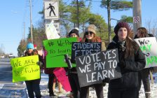 Fanshawe College students rally against class cancelling faculty strike, November 10, 2017. (Photo by Miranda Chant, Blackburn News)