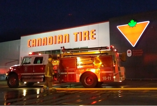 VIDEO: Fire Extinguished At Canadian Tire In Blenheim