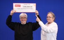 Susan Lang and Frances Brady from London won the top prize of $100,000 in the Instant 25x Winner Wonderland game. (Photo courtesy of OLG).