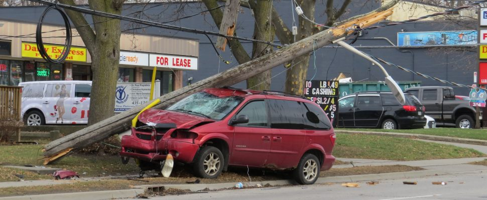 A van struck a hydro pole on Oxford St. between Adelaide St. and William St., December 5, 2017. (Photo by Miranda Chant, Blackburn News)