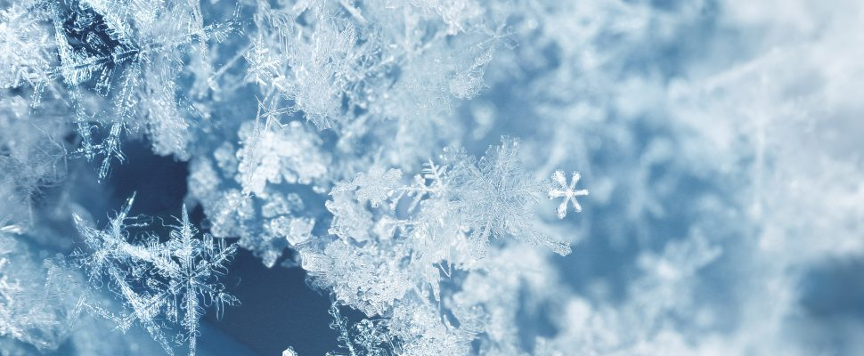 Snow flakes. (Photo by © Can Stock Photo / Anterovium).
