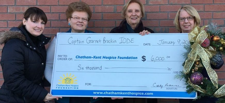 IODE Christmas House Tours committee presents cheque to Chatham-Kent Hospice Foundation. (Photo courtesy of Chatham-Kent Hospice Foundation).