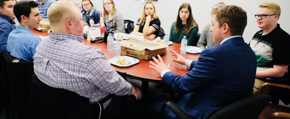 Conservative Part y of Canada Leader Andrew Scheer meets with MP Marilyn Gladu's youth council Feb. 21, 2018 (Photo courtesy of Andrew Scheer via Twitter)
