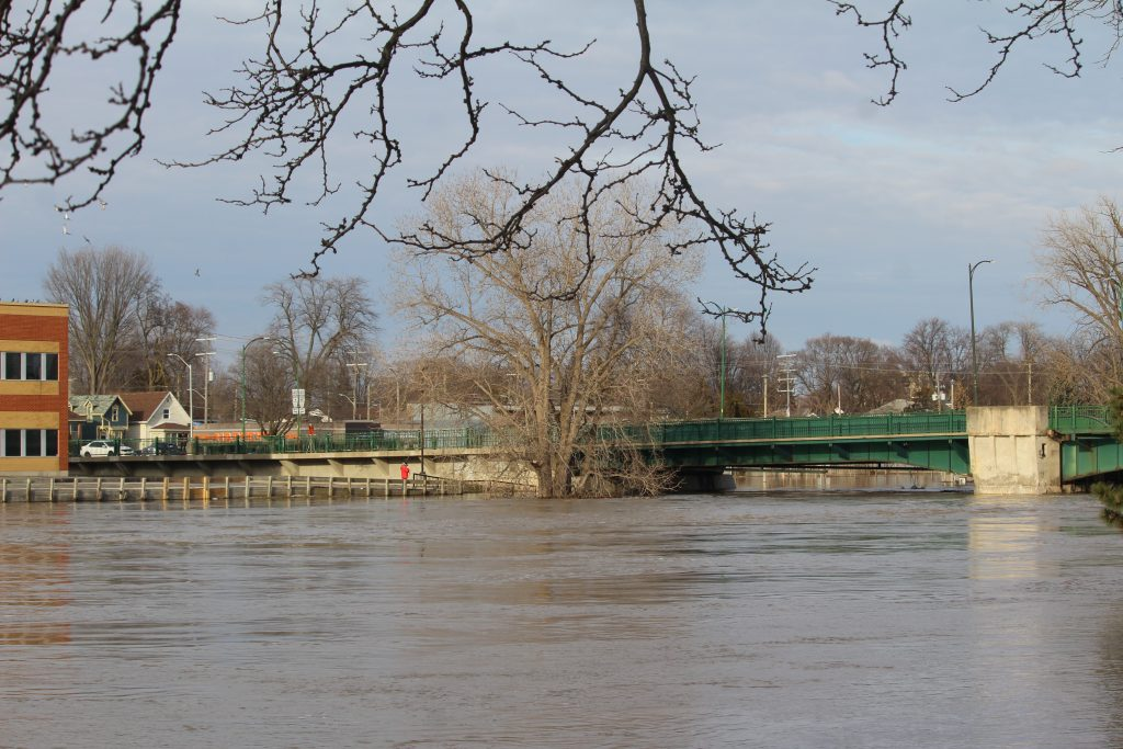 Water level at Third St. Bridge