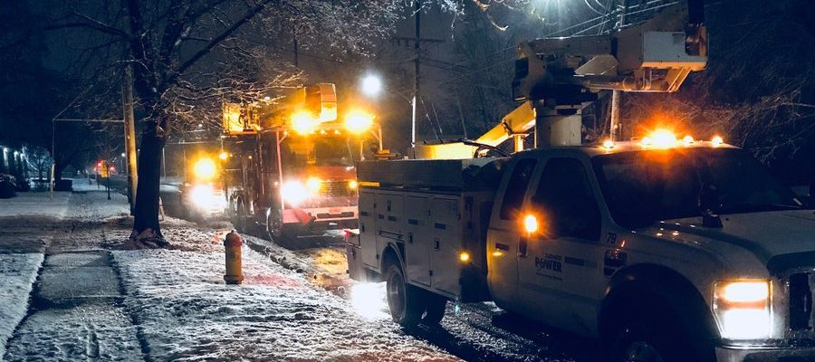 Hyrdro crews work to restore power in Sarnia, March 2, 2018. (Photo courtesy of Bluewater Power)
