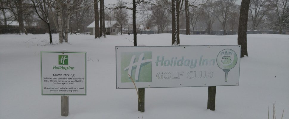 The sign that welcomes guests to the Holiday Inn Point Edward's par 3 course. March 8, 2018. (Photo by Colin Gowdy, Blackburn News)