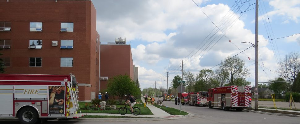 Blackburnnews Com Firefighters Rescue Workers From Roof