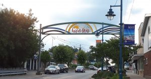 The Grand Bend sign on Main St. W. August 9, 2018. (Photo by Colin Gowdy, BlackburnNews)
