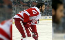 Henrik Zetterberg warms up before a January 31, 2010 game between the Detroit Red Wings and Pittsburgh Penguins at Mellon Arena in Pittsburgh, PA. (Photo by Michael Miller / via Wikipedia)