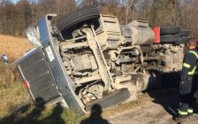 Emergency crews respond to a tractor trailer rollover on the Highway 402 Nauvoo Road off-ramp in Watford, October 29, 2018. (Photo courtesy of Warwick Fire & Rescue)