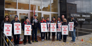 Canada Post workers on strike outside the Federal Building. November 6, 2018. (Photo by Colin Gowdy, BlackburnNews)
