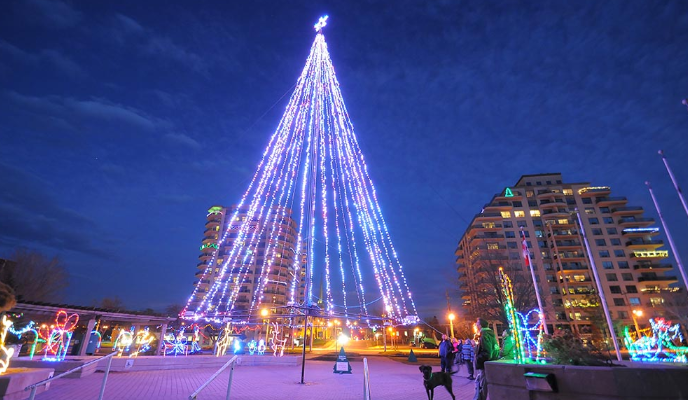 Celebration of Lights' display in Sarnia. 2018. (Photo from the Celebration of Lights' website)