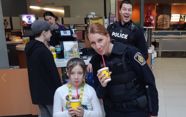 Enjoying Booster Juice during CopShop at the Lambton Mall. December 5, 2018. (Photo by the Sarnia Police Service)