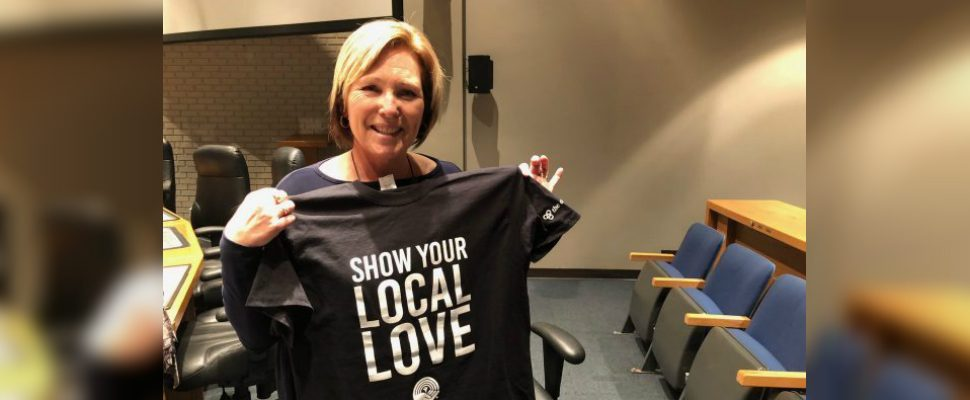 Councilor Carmen McGregor displays her Chatham-Kent United Way shirt after her motion passes on December 10, 2018. (Photo by Allanah Wills)