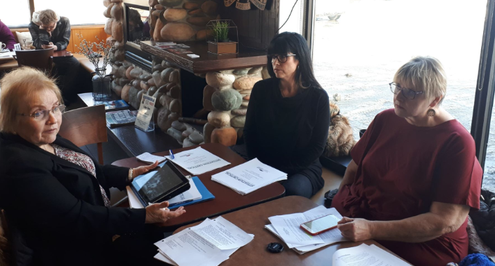 (From left to right) Lynne Withers, Julie Sexton and Shirley Roebuck at the Coffee Lodge on Exmouth Street in Sarnia. January 21, 2019. (Photo by Colin Gowdy, BlackburnNews)