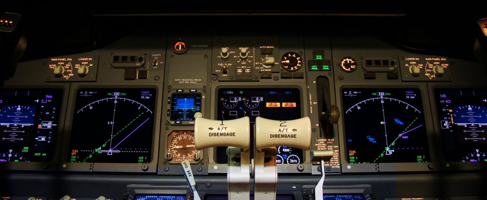 Flight deck of a modern airliner at night (Boeing 737-800 Next Generation). Photo courtesy of © Can Stock Photo / FER737NG