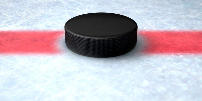 Hockey puck. © Can Stock Photo / albund