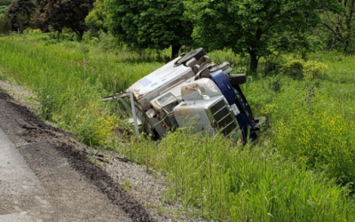 BlackburnNews.com - UPDATE: 61-year-old man charged after roll-over on Hwy 401
