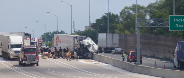 Tractor trailer collision on Hwy. 402 in Sarnia. August 20, 2019. (BlackburnNews photo by Colin Gowdy)