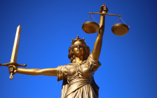 Lady Justice statue. (Photo by WilliamCho from pixabay)