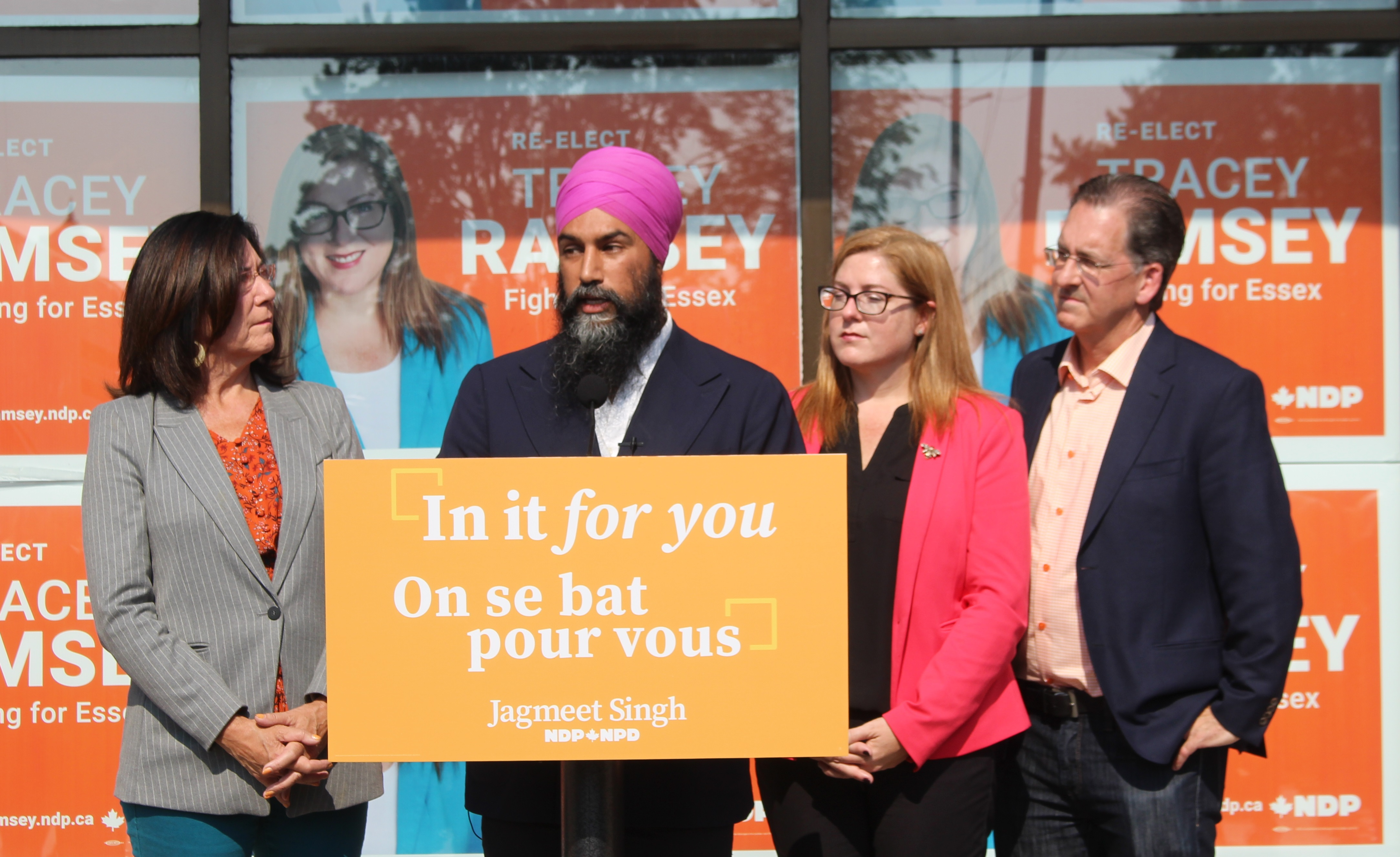 NDP leader Jagmeet Singh campaigns in Essex with local candidates Cheryl Hardcastle, Tracey Ramsey and Brian Masse, September 20, 2019. (Photo by Maureen Revait)