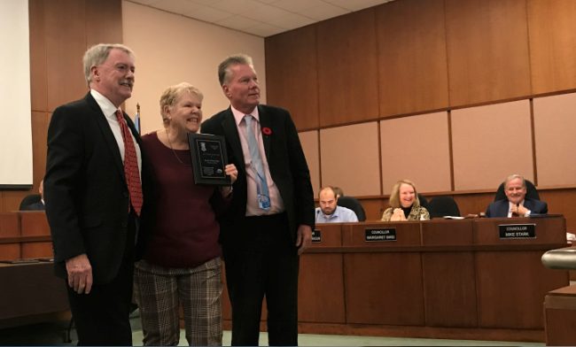 Sarnia Mayor Mike Bradley is joined by councillor George Vandenberg to present a 2019 Accessibility Award to Lynne Betteridge. October 28, 2019 Photo by Melanie Irwin