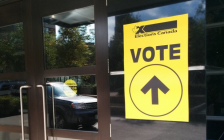 A polling station in the 43rd federal election. October 2019. (BlackburnNews file photo)