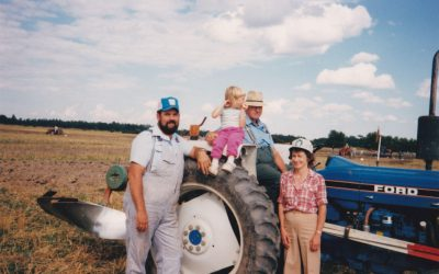 Leonard McNeil (blue hat) with his family. (Photo provided by Barn McNeil)