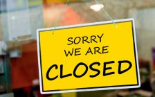 Closed sign. © Can Stock Photo / luissantos84
