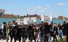 Protesters along Windsor's riverfront on May 31, 2020. (Photo by Adelle Loiselle)