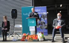 Hydro One makes donation to Feed Ontario, October 20, 2021. (Photo by Maureen Revait)